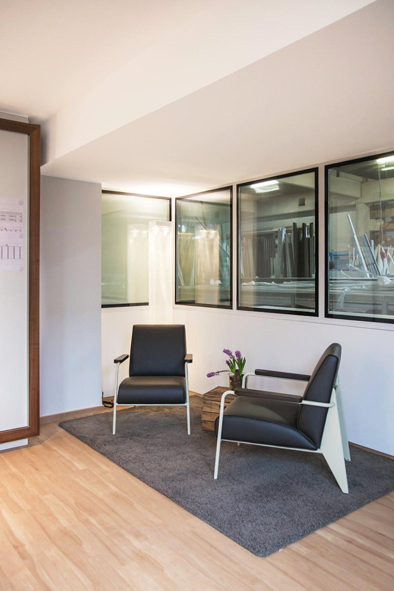 raum und form Referenzprojekt Henke Fensterbau mit Vitra-Möbeln