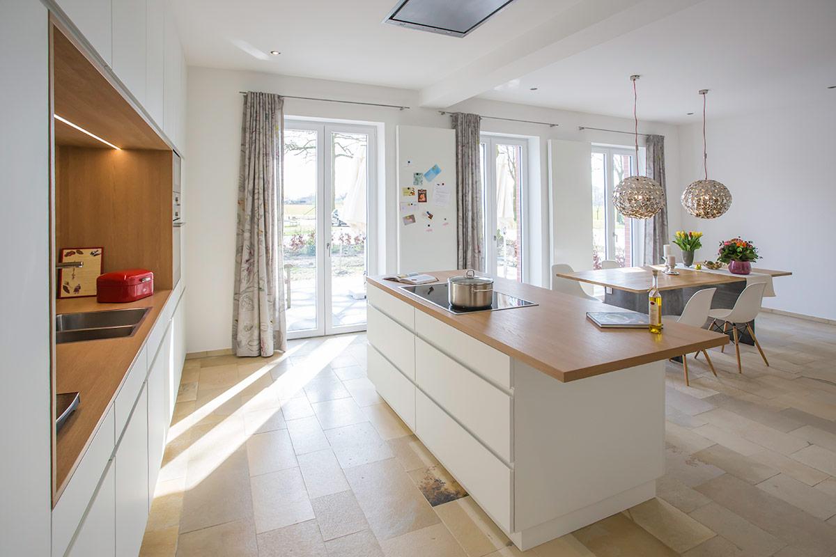 innenausbau und k che f r ein wohnhaus vitra by raum und. Black Bedroom Furniture Sets. Home Design Ideas