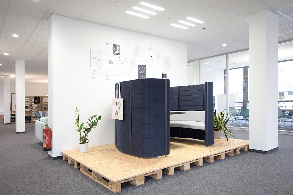 raum und form Referenzprojekt 100TAUSENDLUX mit Vitra-Möbeln
